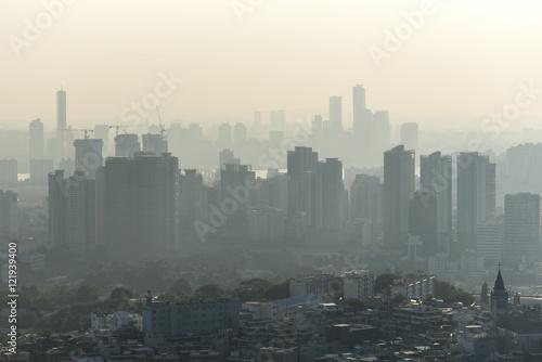 Zdjęcie XXL Zanieczyszczenie powietrza nad Seul - Korea Południowa. Zanieczyszczenie ekologiczne jest bardzo poważnym problemem w Azji.