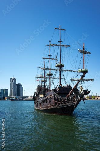 Foto auf AluDibond Schiff Excursion boat.