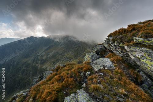 Foto op Aluminium Oceanië Alpine landscape in a cloudy day
