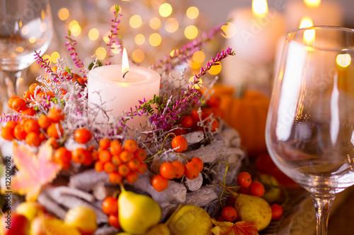 Obraz na plátně  Festlich gedeckter Tisch im Herbst