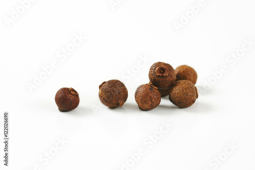 Fototapeta Whole allspice berries obraz