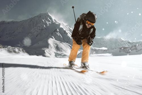 Photo  Skifahrer auf der Piste