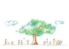 公園の大木、人々、雲