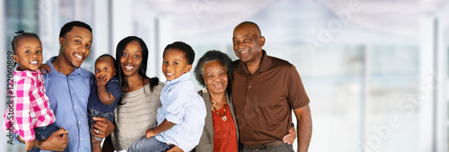 Photo  Senior Married Couple With Family
