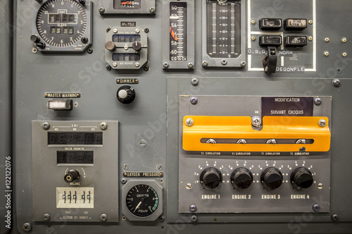 Obraz na plátně  Vintage airplane panel controls