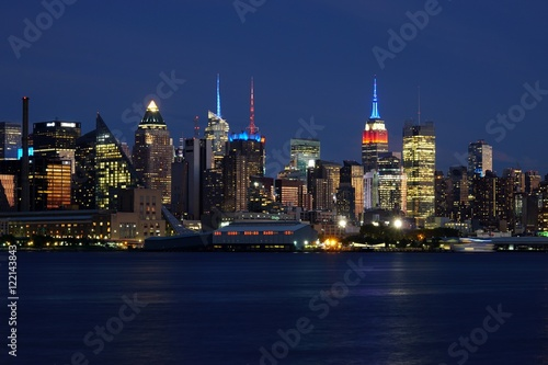 Photo Stands Kuala Lumpur View of the Manhattan skyline in New York City seen from Edgewater, New Jersey