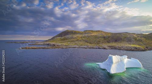 Fotografía Iceberg in Bay in Newfoundland
