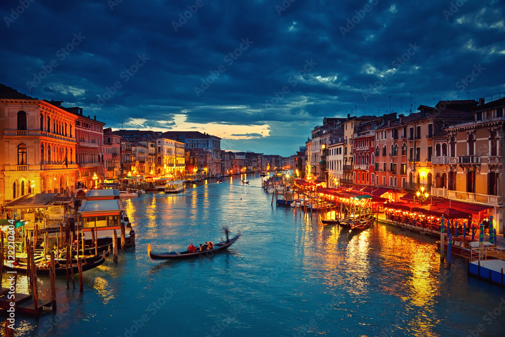 Fototapety, obrazy: View on Grand Canal from Rialto bridge at dusk, Venice, Italy
