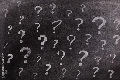 Fotografia  Question-marks on chalkboard