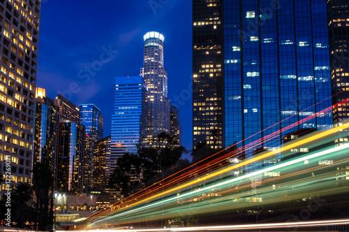 Zdjęcie XXL Panoramę Los Angeles z lekkich smug w nocy