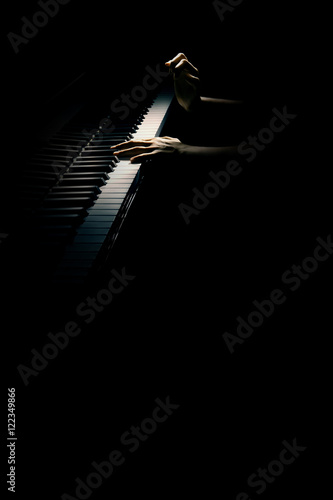 Spoed Fotobehang Muziek Grand piano hands closeup