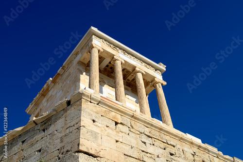 Fotografija  Temple of Athena Nike in Acropolis of Athens, Greece