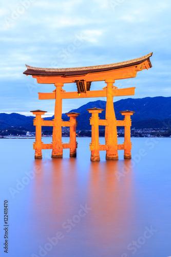 Spoed Fotobehang Japan Miyajima, The famous Floating Torii gate at night