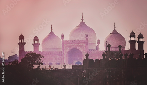 Photographie  Domes of the The Badshahi Mosque
