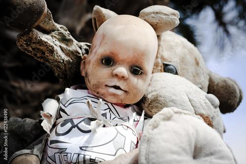 Valokuva  Vieux jouet poupée poupon