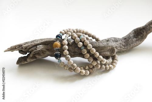 Pinturas sobre lienzo  A string of Bodhi Bracelet