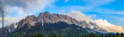 Foto auf Gartenposter Gebirge Panorama of Zugspitze top of Germany