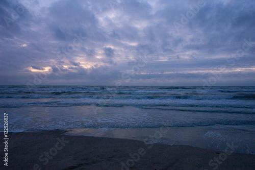 Valokuva  Stürmischer Strand