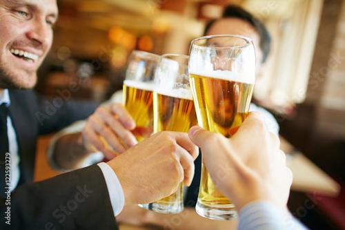 Poster de jardin Bar Beer toast