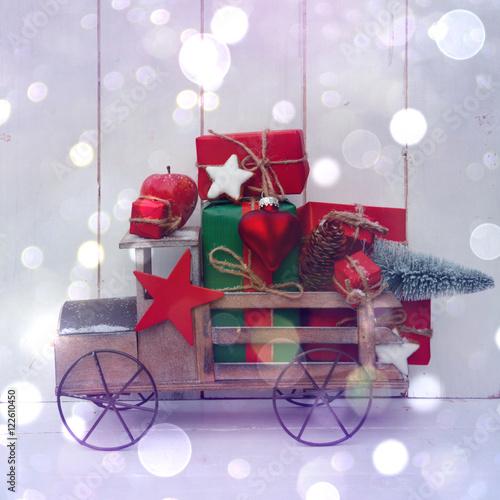 Fotografie, Obraz  Weihnachtsgeschenke mit Auto - Grußkarte  Nostalgie