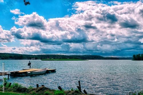 krajobraz-jezioro-chmury-mazur