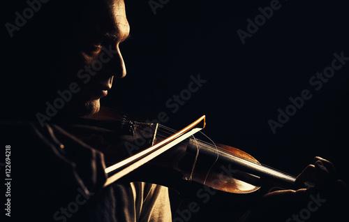 Papiers peints Musique Act of a Violin Player
