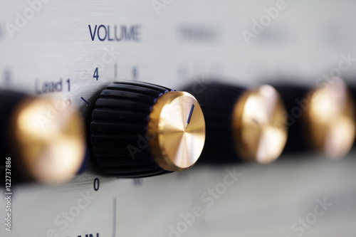 Foto volume knob on guitar amplifier