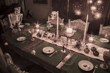Halloween Skeleton Family Cele...