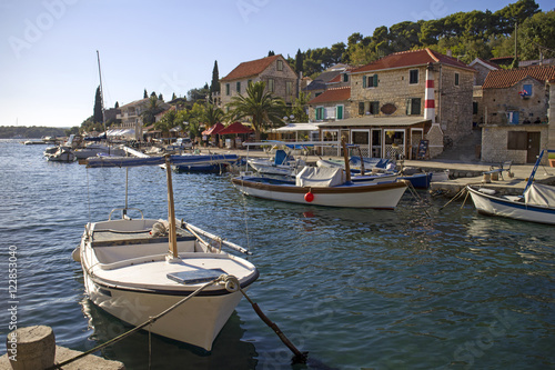 Papel de parede Summer afternoon in settlement Maslinica on Solta island in Croatia
