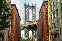 Manhattan Bridge And Brooklyn Neighborhood