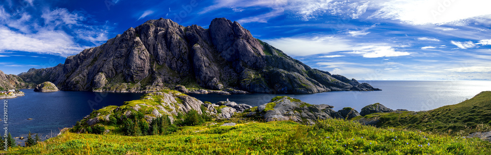 Fototapety, obrazy: Hiking around Nusfjord , on the Lofoten Islands, Norway.