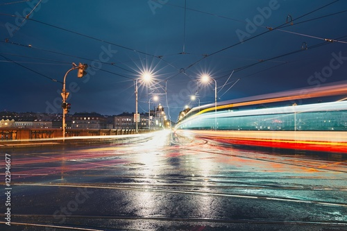 Valokuva  Crossroad in rainy night