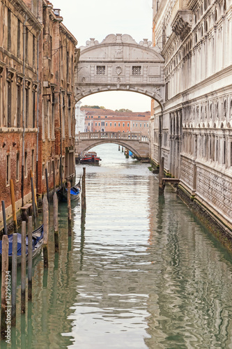 Fototapety, obrazy: Photo of the Bridge of Sighs (Ponte dei Sospiri ) in Venice (Italy). Edited as a vintage photo.