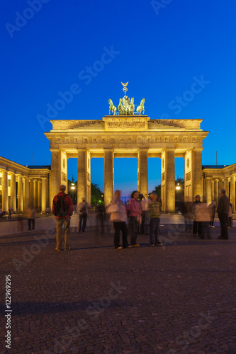 Poster Berlin Brandenburg gate illuminated in Berlin, Germany