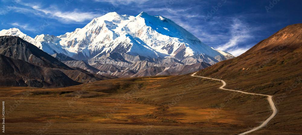 Fototapeta Road to Denali