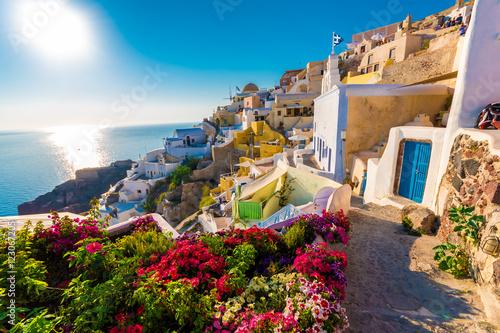Poster de jardin Europe Méditérranéenne Panoramic view over Oia, Santorini islands, Greece