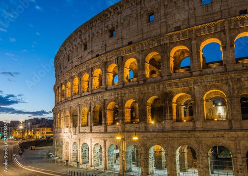 In de dag Rome Colosseum by night, Rome, Italy