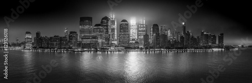 Manhattan (B&W)