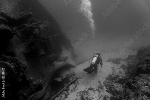 Poster Naufrage Diver and wreck