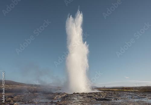 Fotografie, Tablou Erupting Geyser hot spring.