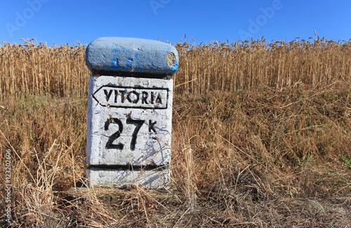 mojón kilómetro indicador país vasco 2505-f16 Plakat