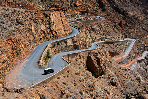 Papiers peints Maroc Serpentine mountain trail in Gorges Dades in high Atlas, Morocco