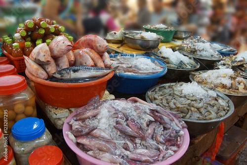 Fototapeta premium Sprzedawanie owoców morza w Siem Reap
