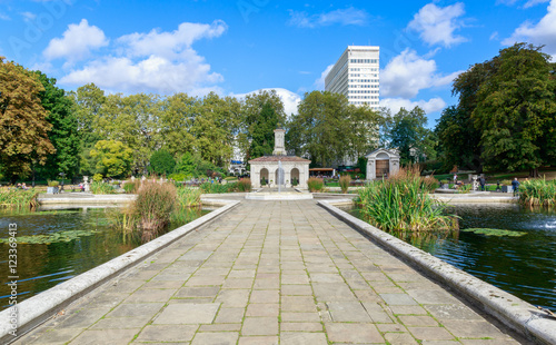 Fotografija  The Italian Gardens at Hyde Park, London