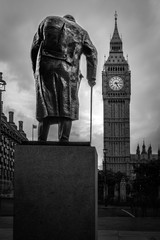 Obraz na SzkleB&W Winston Churchill in parliament square and Big Ben