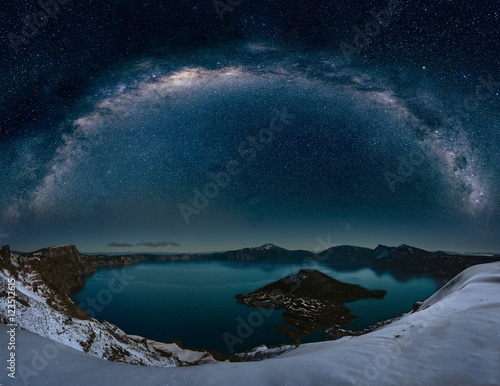 Fotografie, Obraz  Crater lake with milkyway