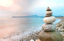Zen Taşları Ve Sahilde Günd...