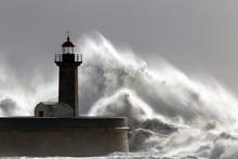 Big Stormy Waves Over Old Ligh...