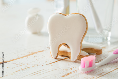 Plakat Teeth shaped cookies background