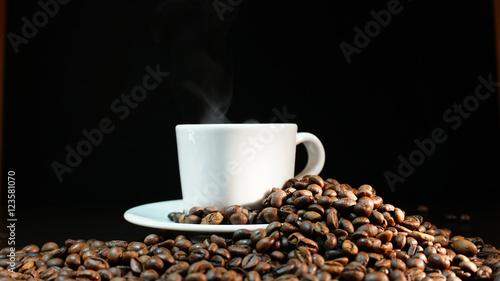 Poster Café en grains Coffee Beans On Dark Background